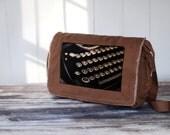 Schmucks with Underwoods - Messenger Bag - School Bag -  Canvas Bag - Java Brown