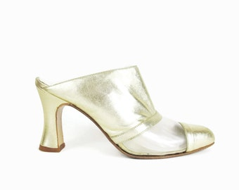 90s Gold Leather Mules Translucent Clear Plastic Metallic Vintage Pointy Toe Heels See Through Slip On Cap Toe Chunky Heels Size 7.5 E607