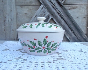 Lenox Holiday Christmas Serving bowl wuth lid Ivory 24 Karat Gold Set of Four