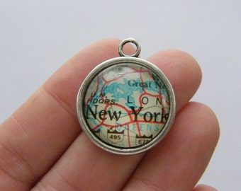 4 New York map charms antique silver tone WT125