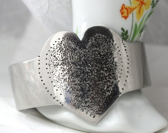 Vintage Metal Heart Bangle