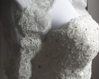 Silk tulle mantilla bridal wedding veil ivory with lace edge