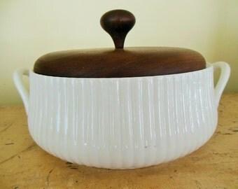 Casserole, Vintage Ernest Sohn 3.5 Qt Round Ceramic Teak Lid 50s