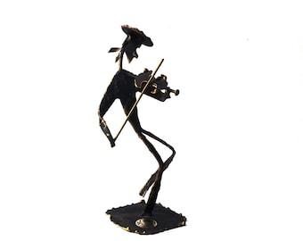 vintage 70's israel metal figurine figure art artwork black gold brass edges brutalist violin violinist fiddle music musician man jewish old