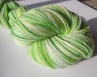 Hand dyed yarn, sock weight Wool, 4-ply, 463 yds. Bamboo