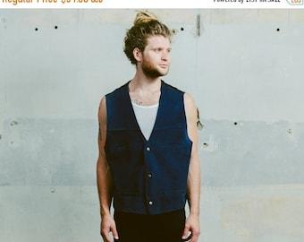 SALE . Vintage 90s Mens BLUE SUEDE Vest .  1990s Sleeveless Top Leather Biker Rocker Moto Waistcoat Man 80s Boyfriend Gift Idea . Large Xl