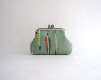 Coin Purse -Frame Mini Pouch Mini Jewelry Case with Ring Pillow- arrow in green