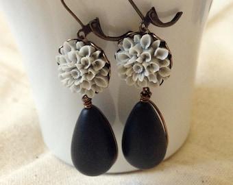 Gray Flower Earrings, Vintage Beads, Black Teardrop Earrings, Antiqued Brass, Wire Wrapped, Dangle Earring, Gray Dahlia Earrings, Bridesmaid