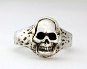 Little  skull ring  sterling silver made in NYC