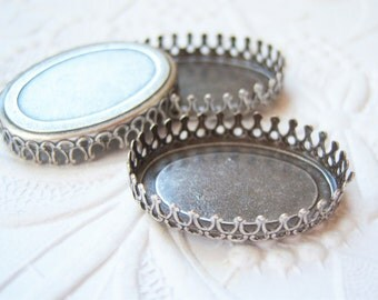 2 - 25x18mm antiqued silver plated brass oval crown settings for cabochons - CB135