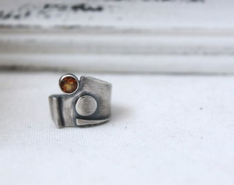 Oxidized Sterling Silver Ring with a 5 mm Round Madeira Citrine - Jewelry 925 - Size 6.5