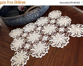 Crochet Doily, Crocheted Placemat, Light Ecru, Vintage Linens,  Hand Crocheted - 13148