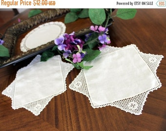 3 Vintage Doilies in White, Linen Centered with Exquisite Crochet Lace Borders 13345