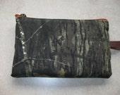 mossy oak camo print fabric large padded bag