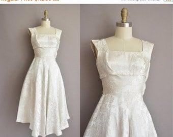 25% off SHOP SALE... 50s shimmery silver white vintage full skirt party dress / vintage 1950s dress