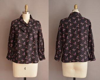 50s black cotton floral print vintage blouse / vintage 1950s blouse