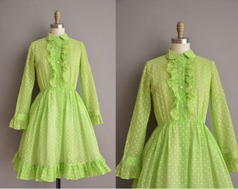 50s green polka dot vintage cotton dress / vintage 1950s dress