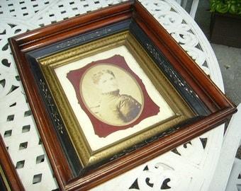 Antique Victorian Eastlake Deep Shadowbox Picture Frame/Lady Portrait