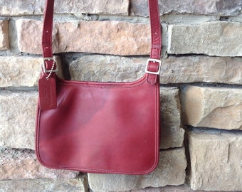 Vintage Small COACH Leather Purse /   Small Shoulderstrap Purse