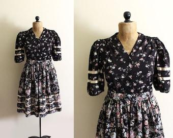 vintage dress prairie 1970s black floral mixed print womens clothing satin size s m small medium
