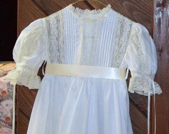 Heirloom Dress size 8 white/ecru Communion Confirmation Wedding Portrait Flower Girl Graduation