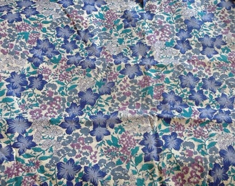 Pretty Blue Floral Flowers Fabric Material Quilting Calico