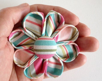Retro Striped Brooch - Flower Lapel Pin for Spring