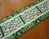 Spring Table Runner, Quilted Table Runner, Table Quilt, Handmade Tablerunner, Floral Table Runner, Green and White Table Runner Mother's Day