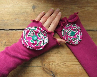 Fuchsia Pink Arm Warmers with Flowers, Arm Sleeves, Pink Wrist Warmers, Texting Gloves, Boho Chic Fingerless Gloves, Eco Friendly Fashion