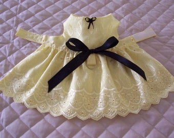 XS-S Yellow Embroidered Dog Dress Handmade Bow Rosette Pets Clothing