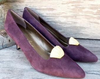Vintage Eggplant Purple Suede Leather Kitten Heel Pumps 1980s