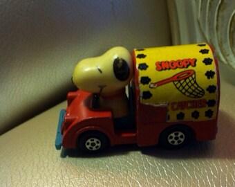 Vintage toy car snoopy cat catcher aviva 1958