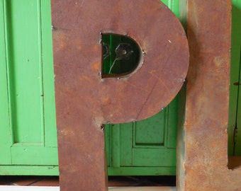"""Metal letter """"P"""" Industrial Standing Dimensional Box Salvage Aged Rustic 14 inch supplies"""