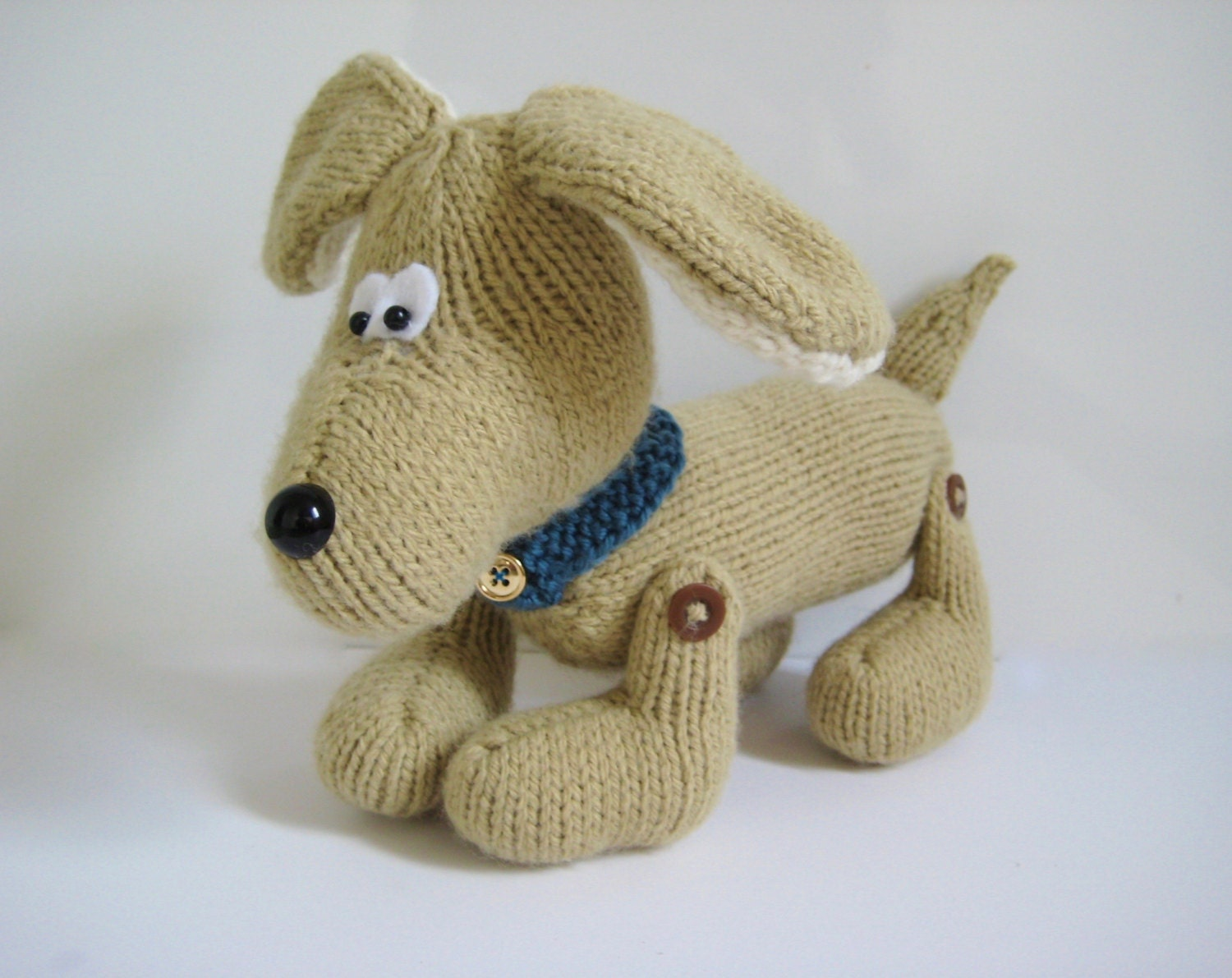 Knitting Patterns For Dogs Toys : Biscuit the Dog toy knitting pattern