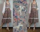 R E S E R V E D 70s RaRE GUNNE SAX UNICORN Print Vintage Novelty Horses Lace Up Corset Muddy Pink Puce White Cotton Dress xs Small 1970s