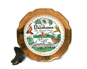 Vintage Souvenir Plate / Oklahoma The Sooner State Retro Decor Wall Plate / USA Road Trip