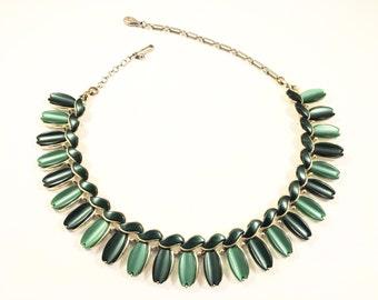 LISNER NECKLACE - GREEN Lucite - Green Necklace - Lisner Choker - Vintage Necklace - Retro Necklace - MidCentury Necklace - Vintage Jewelry