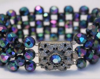Vintage beaded bracelet. Carnival glass bracelet. Crystal clasp. Purple and blue bracelet
