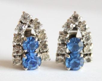 Blue crystal earrings. Vintage earrings. Rhinestone earrings. Clip on earrings