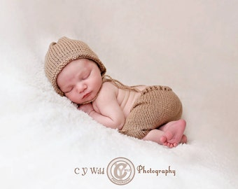 Simply Knitted newborn bonnet and shorts set