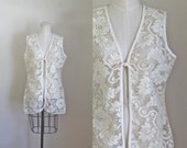vintage lace crochet vest - FRENCH VANILLA front tie top / L