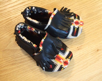 black tribal leather moccasins babies 12-18 month (size 5) shoes