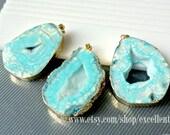 Druzy pendant Geode pendant Agate slice pendant 24kt, Gold Plated Edge Geode agate Pendant in baby Blue color, gemstone Pendant, JSP-6130