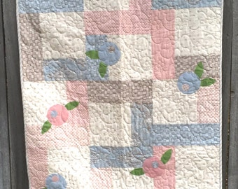 Baby Quilt- Appliquéd Flowers. Floral Themed. Pieced Baby Blanket. Blue Pink Grey Quilt. Machine Quilted. Appliqué Flower.