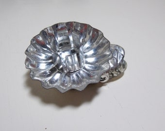 Tin Fluted Christmas Tree Candle Holder 9 Silver Tree Decorations