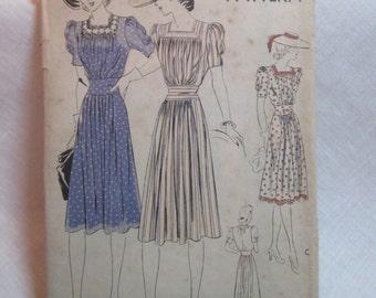"""Antique 1940's Vogue Pattern #8599 - size 32"""" Bust"""