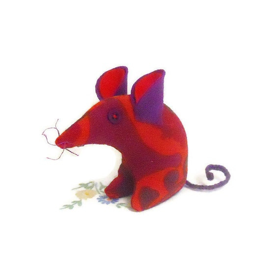 A Retro  Mouse ? A Vintage Mouse ? THIS Mouse in  Heals 60s fabric, Red and Purple