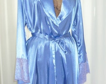 Designer Robe Jones New York Lilac Blue Wide Lace Cuffs Old Stock New Manufacturers Hang Tag Attached Large / Extra Large Tall Girls