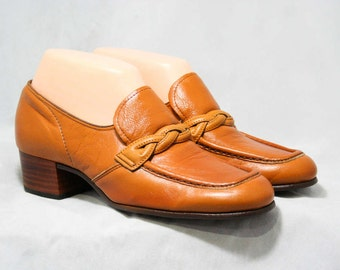 Size 9 1960s Shoes - Caramel Leather Loafers - 60s Shoes - Nice Quality - Hipster 60s - Loafer Style - Unworn 60's Deadstock - 44153-3