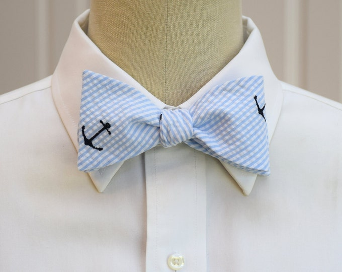 Men's Bow Tie, pale blue seersucker with navy anchors, nautical theme bow tie, sailor bow tie, ocean wedding bow tie, beach lover bow tie